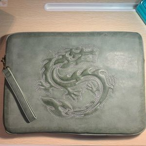 🆕Deena & Ozzy: Embroidered Dragon Laptop Case